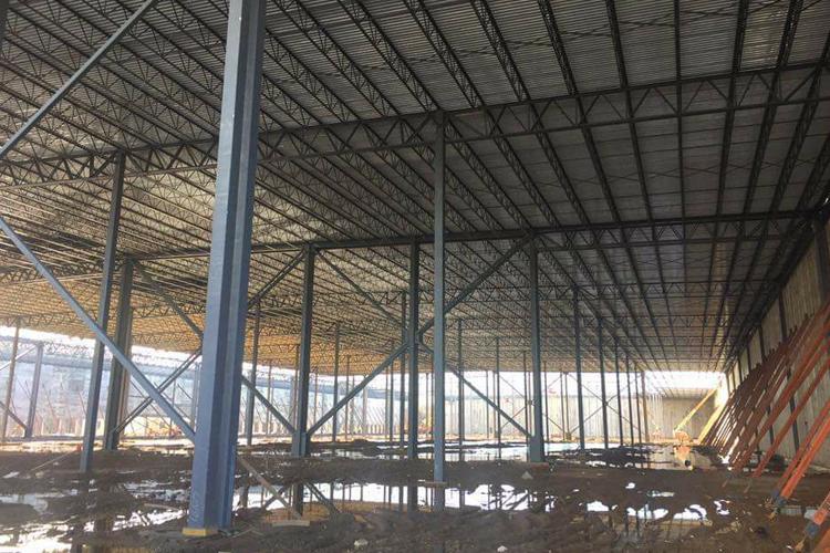 Fabrication et installation d'une structure d'acier_entrepot alimentaire commercial Driscoll_Groupe AESP