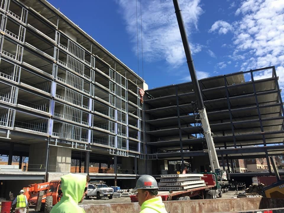 Fabrication et installation d'une structure d'acier_immeuble residentiel Queen Ann_Groupe AESP